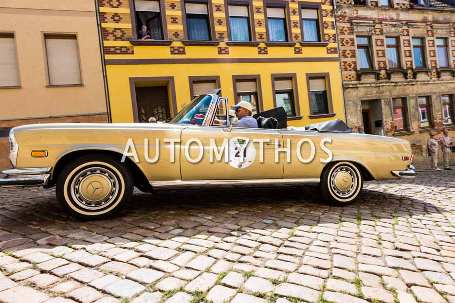 Automythos | 15. Sachsen Classic 2017 | 21 | Dr. Eberhard Alles & Holly Shores-Alles | Mercedes-Benz 280 SE 3.5 Cabriolet