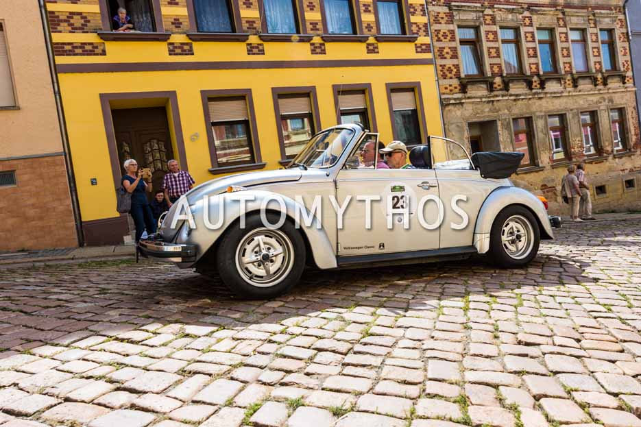 Automythos | 15. Sachsen Classic 2017 | 23 | Prof. Dr. Dr. Carl Horst Hahn & Alexander Voigt | Volkswagen Käfer 1303 Cabriolet