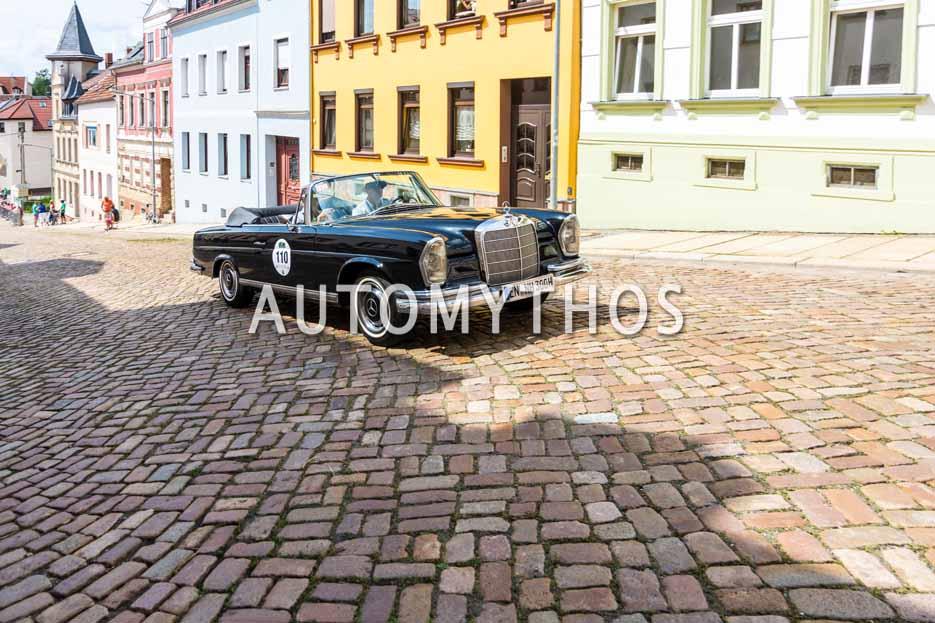 Automythos | 15. Sachsen Classic 2017 | 110 | Nicolaus Hirsch & Andrea Hirsch | Mercedes-Benz 220 SE Cabriolet