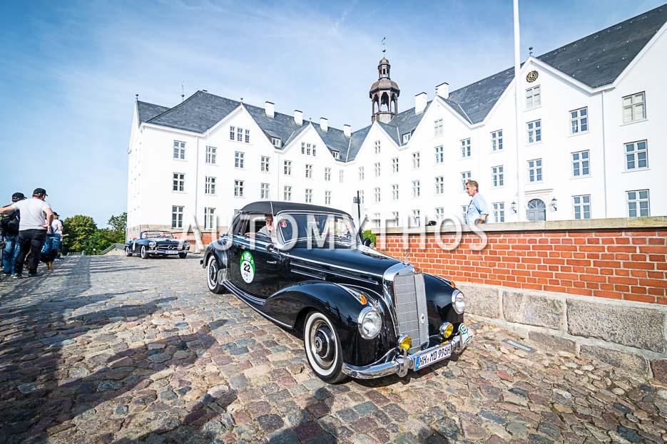 Automythos | 10. Hamburg Berlin Klassik 2017 | 22 | Christian Düllberg & Manfred Düllberg | Mercedes-Benz 220a Cabriolet