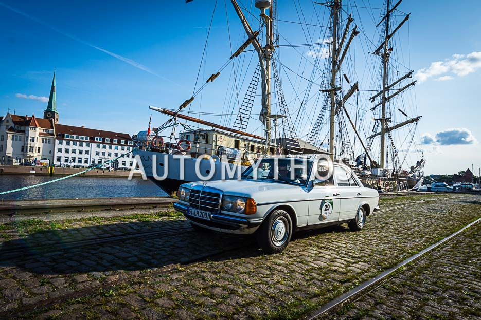 Automythos | 10. Hamburg Berlin Klassik 2017 | 29 | Christian Schäfers & Hans-Christoph Kröger | BMW 502 Autenrieth Coupé Darmstadt