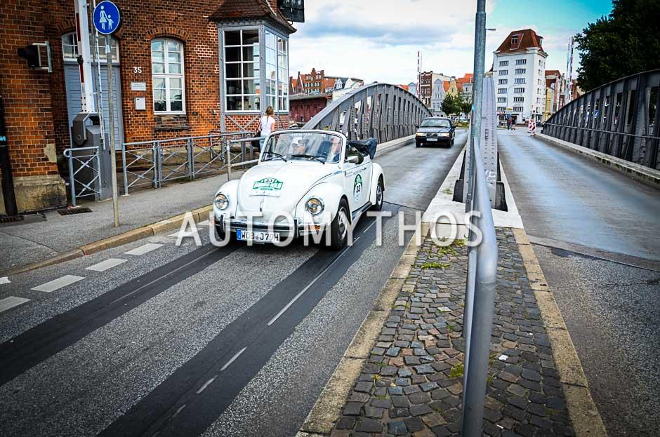 Automythos | 10. Hamburg Berlin Klassik 2017 | 33 | Wolfgang Berghofer & Christian Mathes | Volkswagen 1303 Cabriolet