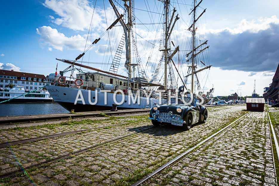 Automythos | 10. Hamburg Berlin Klassik 2017 | 51 | Stefan Wulff & Dr. Jörg Verstl | Triumph TR3A
