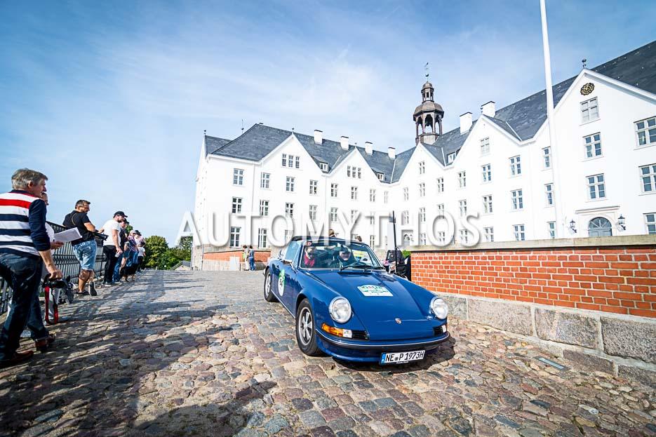 Automythos | 10. Hamburg Berlin Klassik 2017 | 64 | Hajo Riesenbeck & Dr. Melanie Riesenbeck | Porsche 911 T Targa
