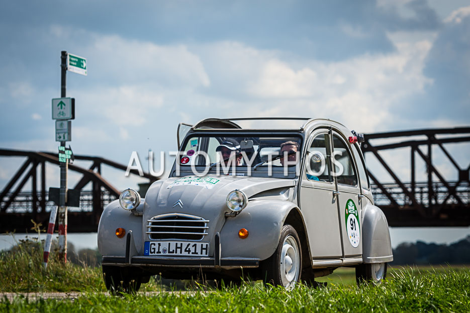Automythos | 10. Hamburg Berlin Klassik 2017 | 91 | Hans Jürgen Rang & Andreas Grimm | Citroën 2 CV