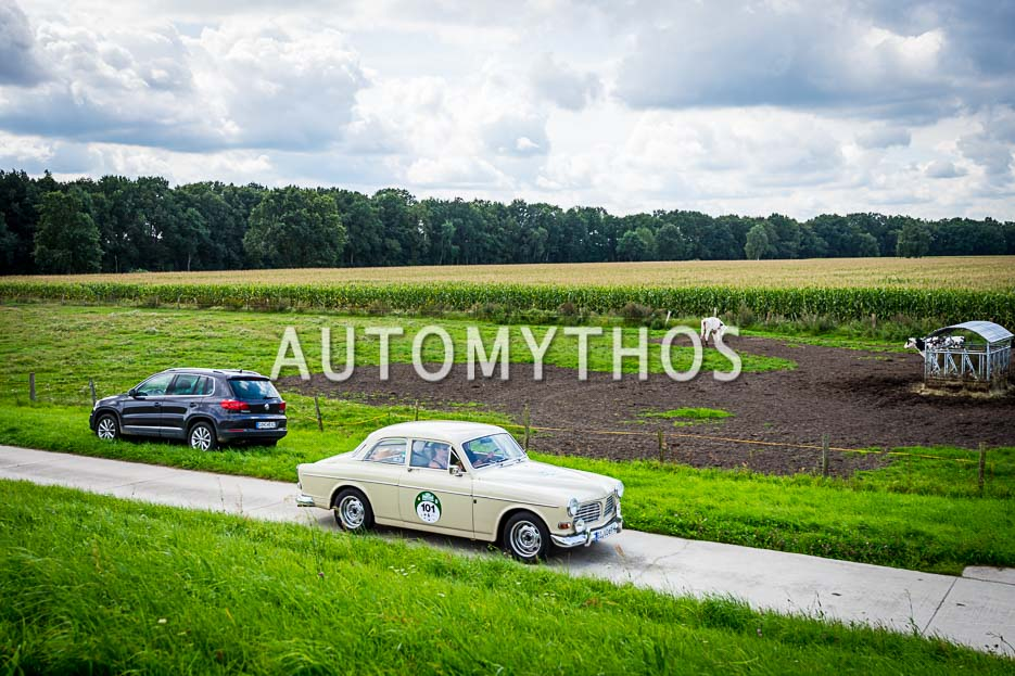 Automythos   10. Hamburg Berlin Klassik 2017   101   Oliver Becht & Anja U. Schmidt   Volvo 121