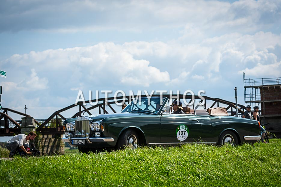 Automythos | 10. Hamburg Berlin Klassik 2017 | 107 | Erhard Mueller-Behnke & Anja Brauer | Rolls-Royce Corniche