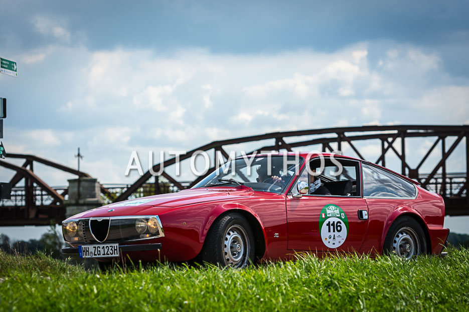 Automythos | 10. Hamburg Berlin Klassik 2017 | 116 | Manuela Schlüter & Sandra Flinzberg | Alfa Romeo Junior GT Zagato