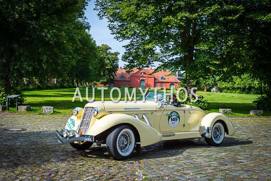 Automythos | 10. Hamburg Berlin Klassik 2017 | 149 | Dr. Christian Schoch & Meike Haferkamp | Auburn Speedster 876 Boattail