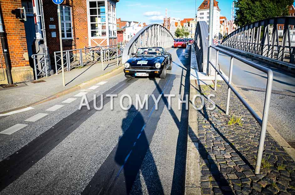 Automythos | 10. Hamburg Berlin Klassik 2017 | 164 | Ulrike Poley & Solvy Weigert | Fiat 124 Spider (Pininfarina Spidereuropa)