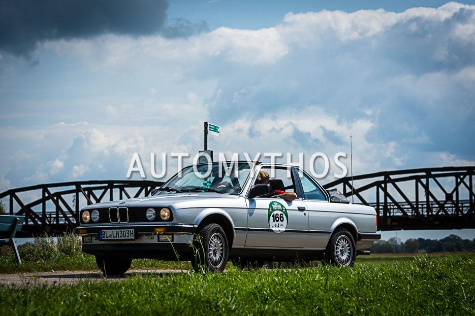 Automythos | 10. Hamburg Berlin Klassik 2017 | 166 | Johannes Bitzer & Ursula Bitzer | BMW 325e Baur TC2 Cabriolet