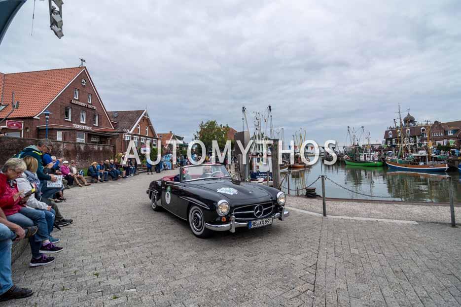 Automythos | 11. Hamburg Berlin Klassik 2018 | 31 | Dr. Georg Garrels & Sven Garrels | Mercedes-Benz 190 SL