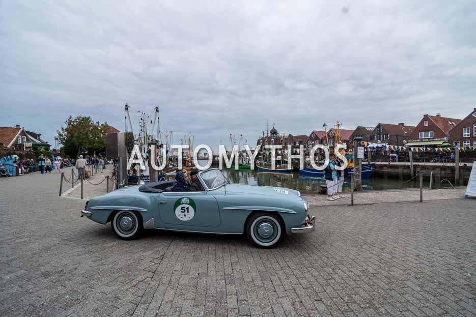 Automythos | 11. Hamburg Berlin Klassik 2018 | 51 | Herbert Meyer & Gesa Meyer-Meyenburg | Mercedes-Benz 190 SL