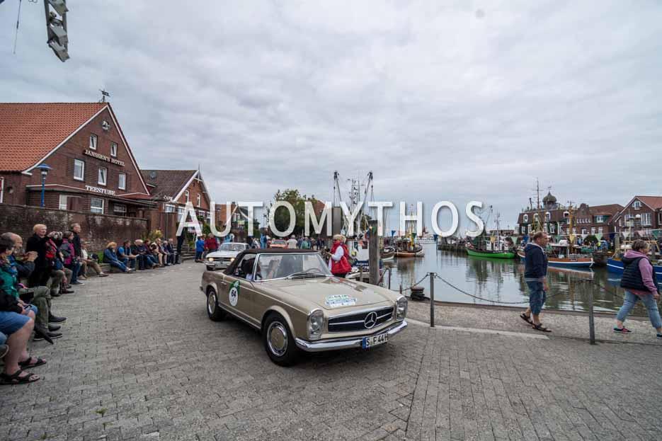 Automythos | 11. Hamburg Berlin Klassik 2018 | 64 | Ellen Lohr & Stephan Fritz | Mercedes-Benz 280 SL Roadster