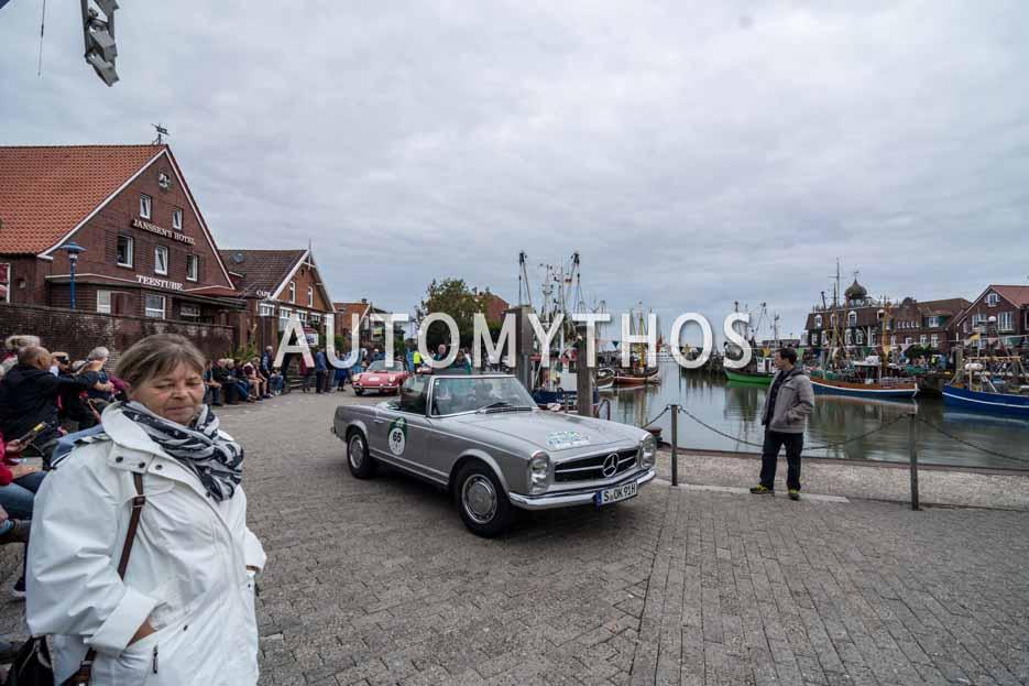 Automythos | 11. Hamburg Berlin Klassik 2018 | 65 | Ralf Möller & Dieter Losskarn | Mercedes-Benz 280 SL Roadster