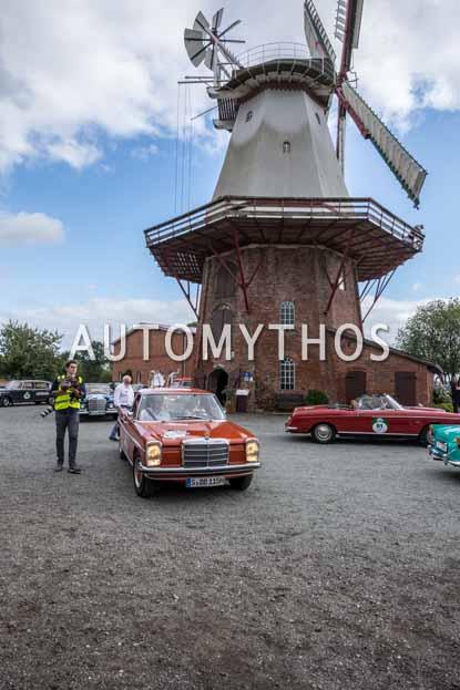Automythos | 11. Hamburg Berlin Klassik 2018 | 66 | Shareen Raudies & Michael Abele | Mercedes-Benz 220 D Pick-up