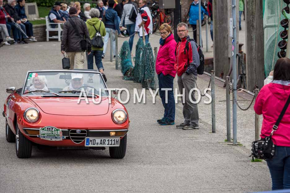 Automythos | 11. Hamburg Berlin Klassik 2018 | 117 | Karl-Heinz Ehrhardt & Helma de Vries | Alfa Romeo Spider 2000