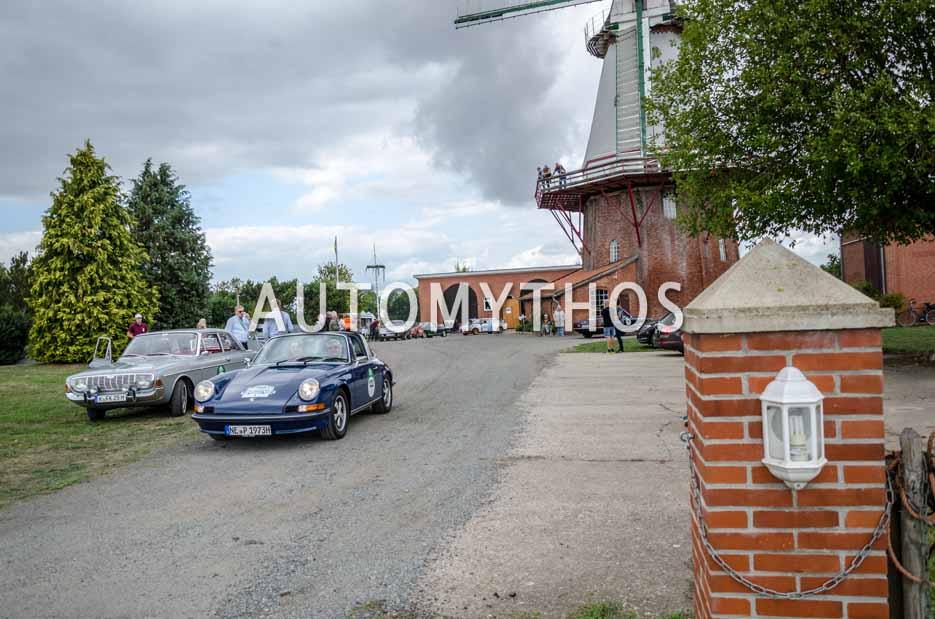 Automythos | 11. Hamburg Berlin Klassik 2018 | 122 | Hajo Riesenbeck & Dr. Melanie Riesenbeck | Porsche 911 T Targa