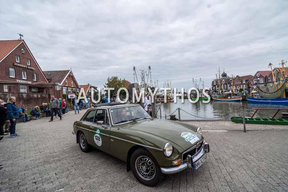 Automythos | 11. Hamburg Berlin Klassik 2018 | 128 | Kathrin Berner & Burkhard Berner | MG MGB GT V8