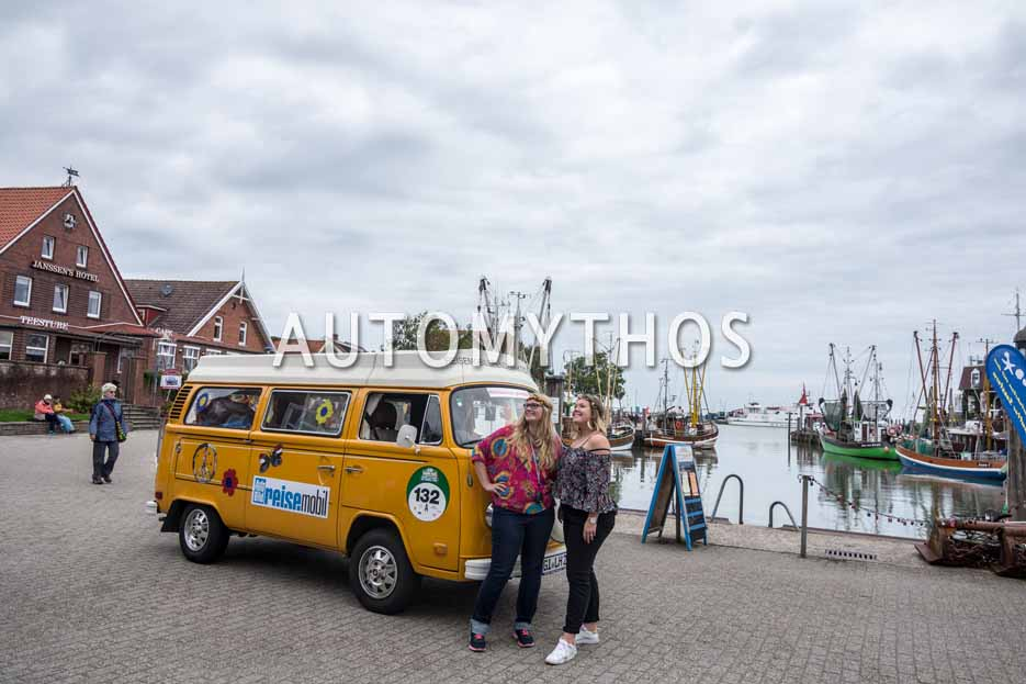 Automythos   11. Hamburg Berlin Klassik 2018   132   Helene Schmidt & Jenny Zeume   Volkswagen T2