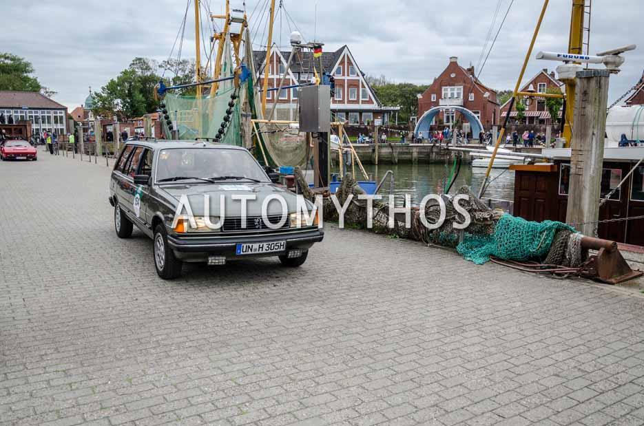 Automythos   11. Hamburg Berlin Klassik 2018   154   Oliver Haupt & Patricia Scherf   Peugeot 305 Break