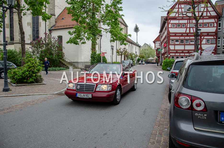 Automythos | 7. Bodensee Klassik 2018 | 172 | Dr. Wolfgang Hopf & Sabine Hopf | Mercedes-Benz E 220 Cabriolet
