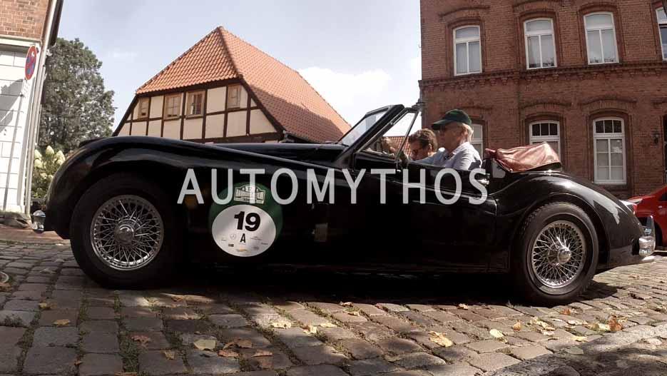 Automythos | 12. Hamburg Berlin Klassik 2019 | 19 | Robert Karde & Klaus Karde | Jaguar XK140 DHC