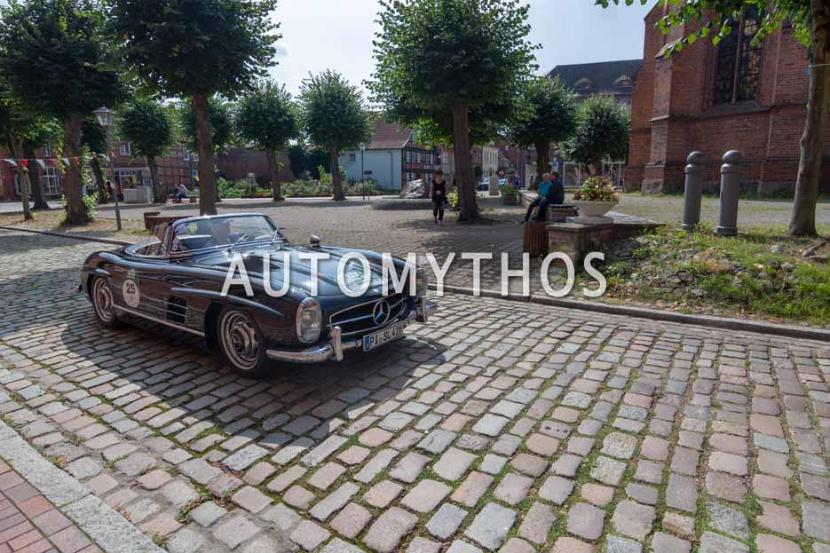 Automythos | 12. Hamburg Berlin Klassik 2019 | 25 | Theodor Semmelhaack & Annina Semmelhaack | Mercedes 300 SL