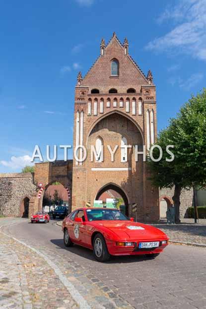 Automythos | 12. Hamburg Berlin Klassik 2019 | 26 | Dr. Michael Effing & Chiara Effing | Porsche 924 S