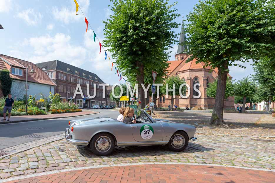 Automythos | 12. Hamburg Berlin Klassik 2019 | 27 | Manuela Schlüter & Sarah Schlüter | Alfa Romeo Giulietta Spider