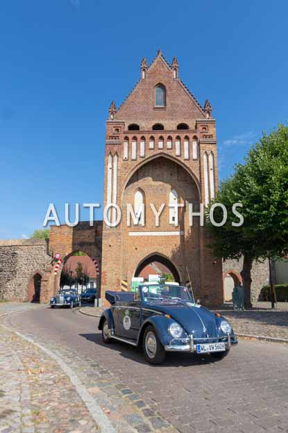 Automythos | 12. Hamburg Berlin Klassik 2019 | 31 | Jochen Weiß & Carin Weiß | Volkswagen 1200 Cabriolet