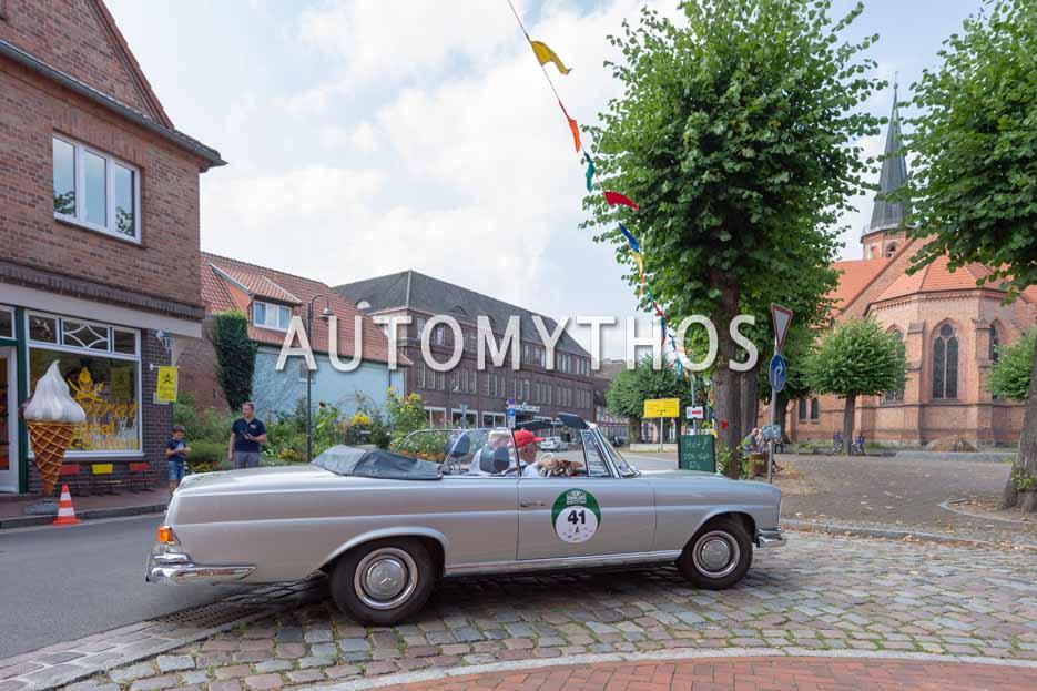 Automythos | 12. Hamburg Berlin Klassik 2019 | 41 | Dr. Lutz Aengevelt & Dr. Otto Heinrich Blank | Mercedes 220 SE Cabriolet