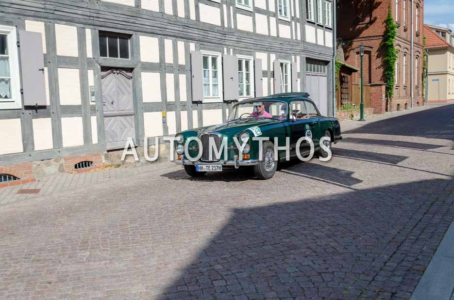 Automythos | 12. Hamburg Berlin Klassik 2019 | 43 | Pieter Wasmuth & Andrea Wasmuth | Alvis TE 21