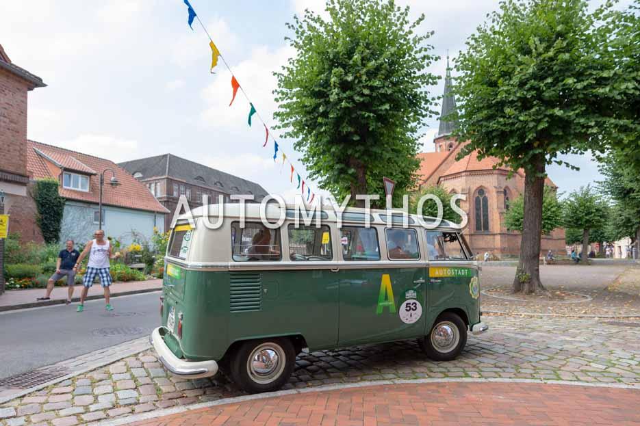 "Automythos | 12. Hamburg Berlin Klassik 2019 | 53 | Grafite & Pinto Dos Santos Libano Grace | Volkswagen Bus T1 ""Samba Bus"""