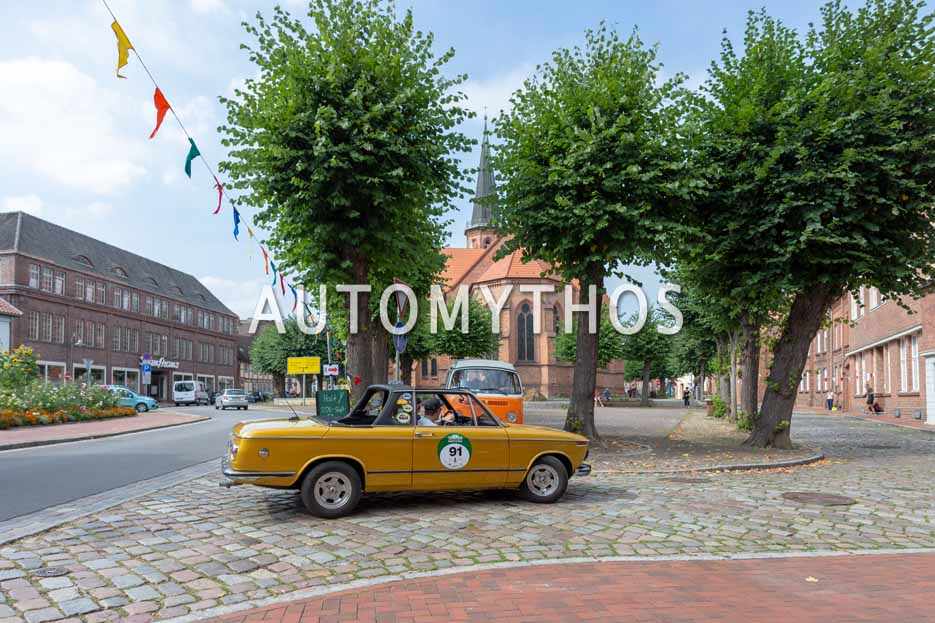 Automythos | 12. Hamburg Berlin Klassik 2019 | 91 | Friedbert Kirstan & Thomas Kirstan | BMW 2002 Baur-Cabriolet