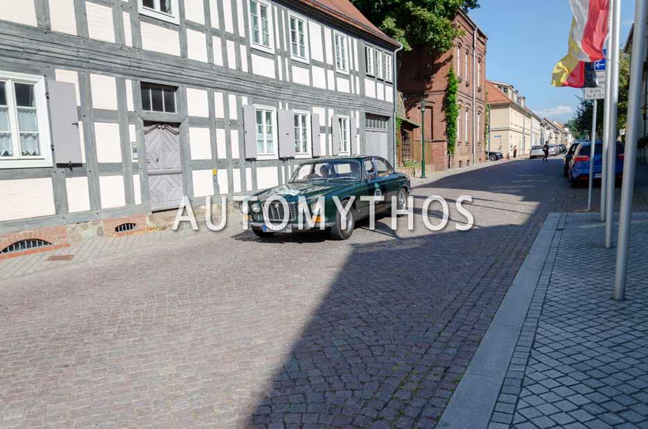 Automythos | 12. Hamburg Berlin Klassik 2019 | 92 | Martin Firnhaber & Frauke Wandrey | Jaguar XJ6 Serie 1
