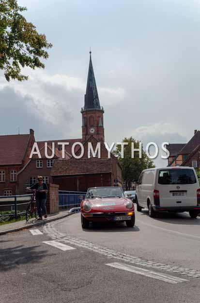 Automythos | 12. Hamburg Berlin Klassik 2019 | 100 | Liu Guirong & Zhou Tianthian | Alfa Romeo 2000 Spider