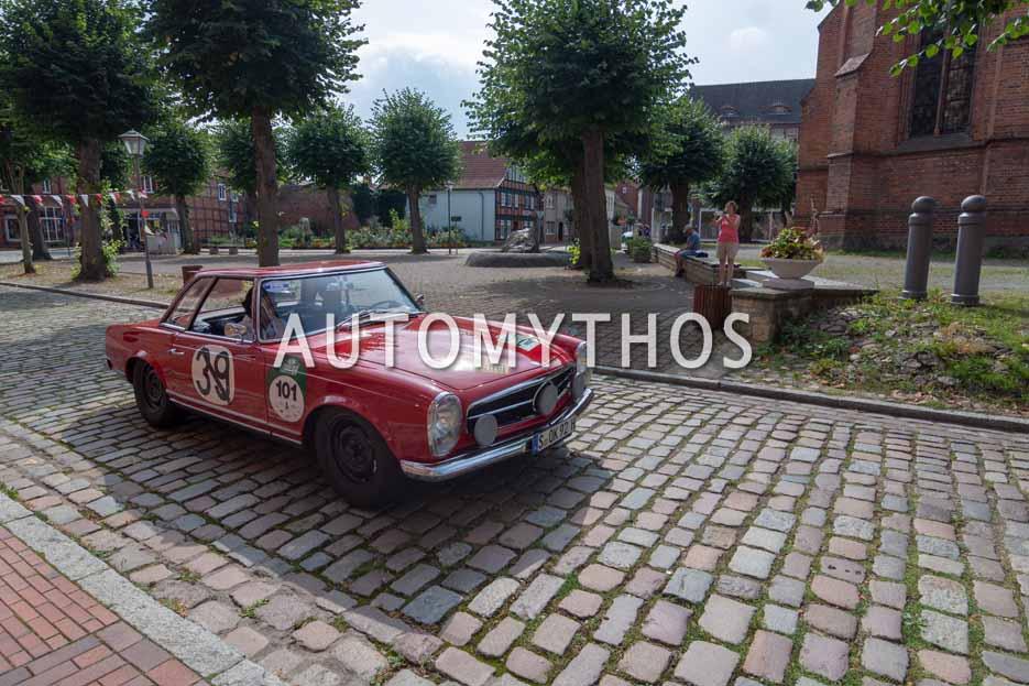 Automythos | 12. Hamburg Berlin Klassik 2019 | 101 | Ellen Lohr | Mercedes 230 SL Rallye