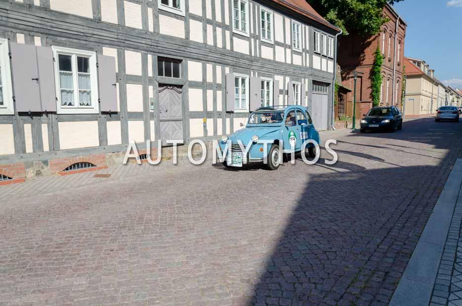 Automythos | 12. Hamburg Berlin Klassik 2019 | 104 | Uwe Schovanka & Nico Schovanka | Citroën 2CV4