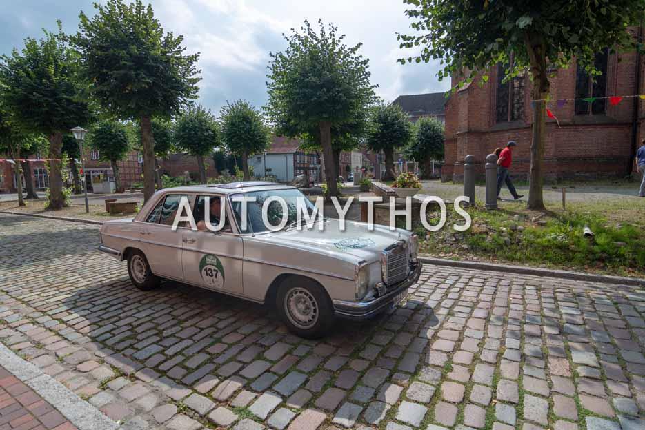 Automythos | 12. Hamburg Berlin Klassik 2019 | 137 | Sascha Wutz & Holger Hack | Mercedes-Benz W114 280E