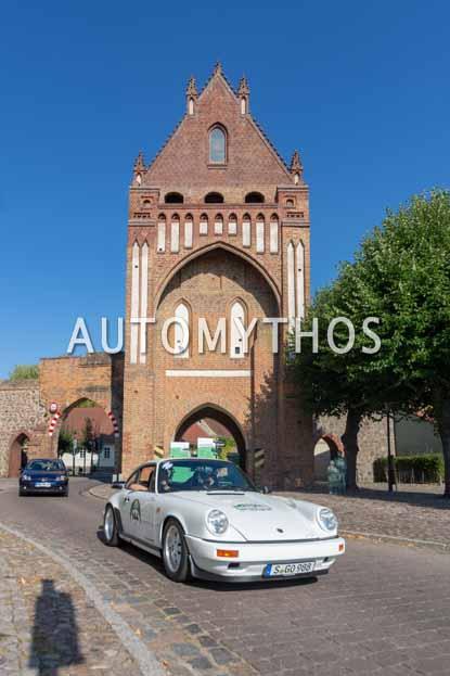 Automythos | 12. Hamburg Berlin Klassik 2019 | 144 | Hans-Joachim Stuck | Porsche 911 Carrera Clubsport