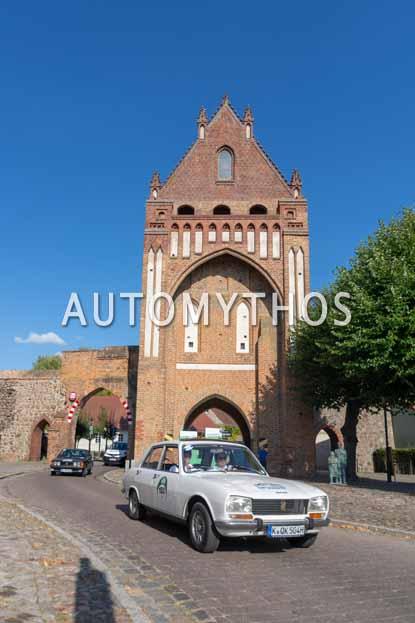 Automythos | 12. Hamburg Berlin Klassik 2019 | 153 | Silke Rosskothen & Malte Tom Büttner | Peugeot 504